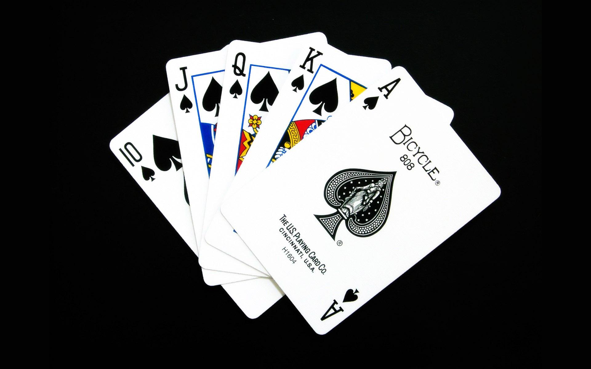 Nghiên cứu, tìm tòi để đạt hiệu quả khi chơi poker