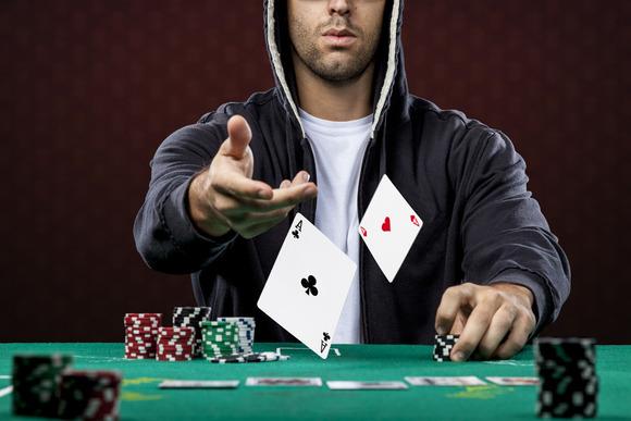 Sự lựa chọn trong quá trình chơi poker