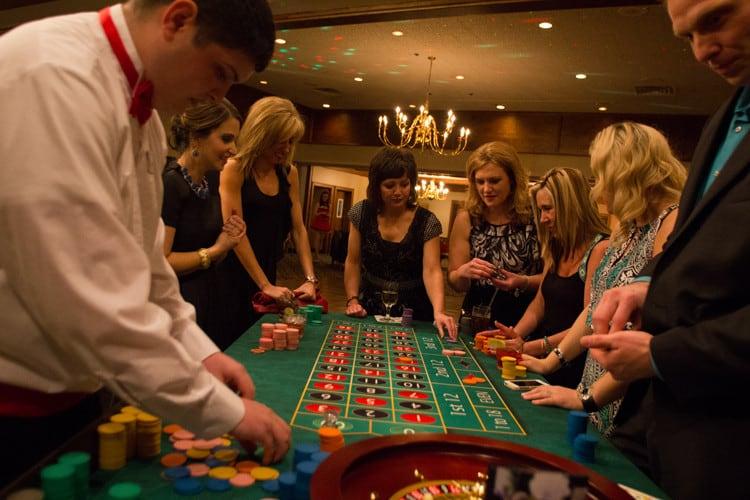 Fun88 và 4 lý do bạn nên chơi đánh bài ăn tiền tại Fun88 1