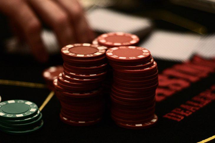 Fun88 và 4 lý do bạn nên chơi đánh bài ăn tiền tại Fun88
